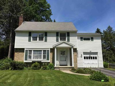 Niskayuna Single Family Home For Sale: 1545 Wyoming Av