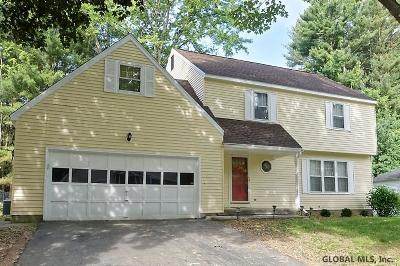 Guilderland Single Family Home For Sale: 548 Jefferson Ct