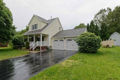 Wilton Single Family Home For Sale: 3 Chatham Ct