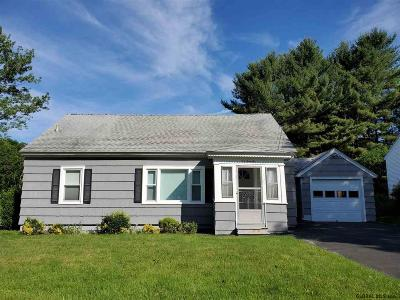 Gloversville Single Family Home For Sale: 170 S Kingsboro Av