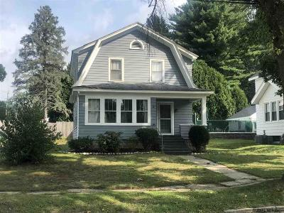 Gloversville Single Family Home For Sale: 26 Wooster St