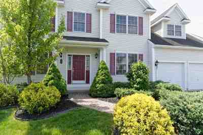 Colonie Single Family Home For Sale: 16 Charterpoint Rd