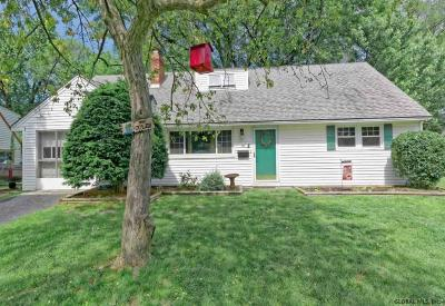 Colonie Single Family Home New: 8 Briarwood Rd