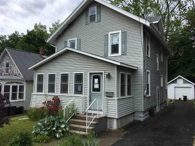 Niskayuna Single Family Home For Sale: 2333 Story Av