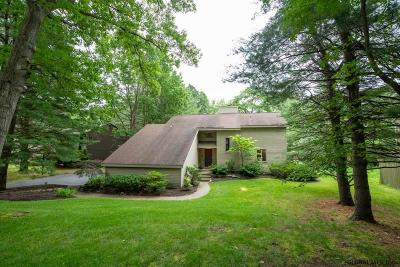 Clifton Park Single Family Home New: 11 Robinwood Dr