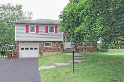 Single Family Home For Sale: 5 Fairlawn Dr