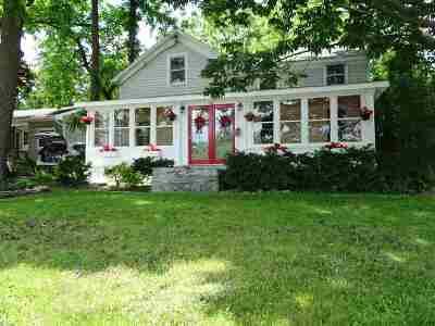 Voorheesville Single Family Home For Sale: 702 New Salem Rd