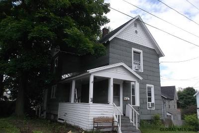 Gloversville Single Family Home For Sale: 11 Nelson St