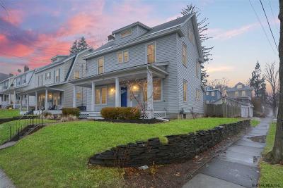 Albany Single Family Home For Sale: 28 Homestead Av