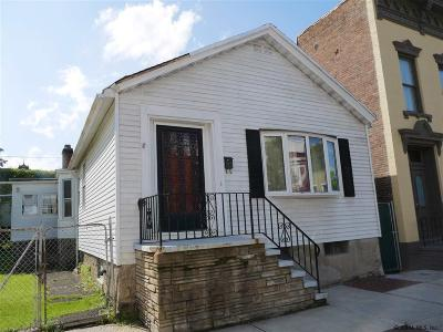 Troy Single Family Home For Sale: 495 2nd St