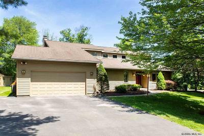Niskayuna Single Family Home For Sale: 9 Gloria La