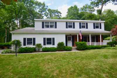 Clifton Park Single Family Home For Sale: 30 Huntwood Dr