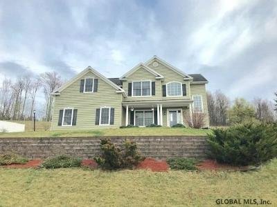 Rensselaer County Single Family Home For Sale: 6 Crimson Circle