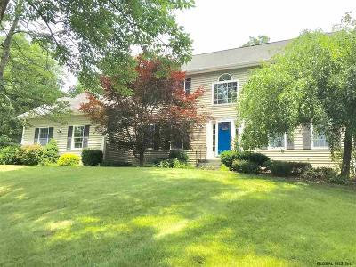 Halfmoon Single Family Home For Sale: 45 Oregon Trl