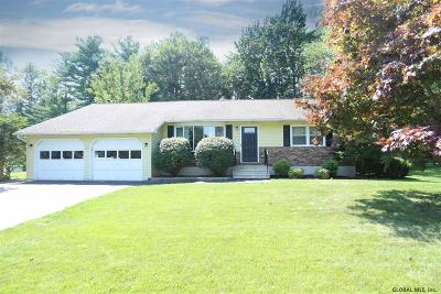 Niskayuna Single Family Home For Sale: 775 Huntingdon Dr