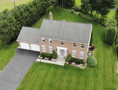 Colonie Single Family Home For Sale: 14 Traditional La
