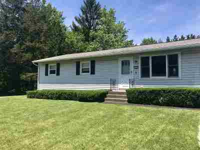 Colonie Single Family Home For Sale: 5 Sunflower La