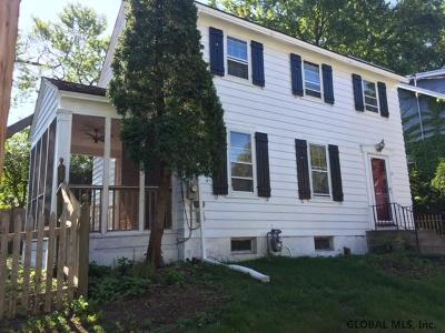 Albany Single Family Home For Sale: 10 Frost Pl