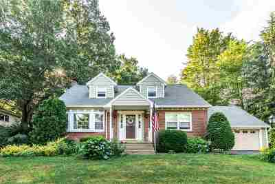 Niskayuna Single Family Home For Sale: 81 Ash Tree La