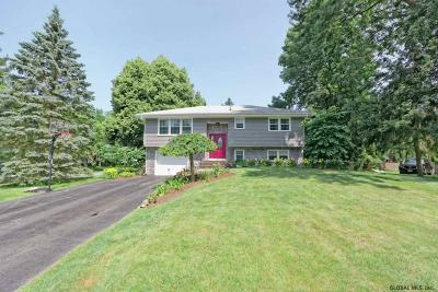 Colonie Single Family Home For Sale: 11 Belaire Dr