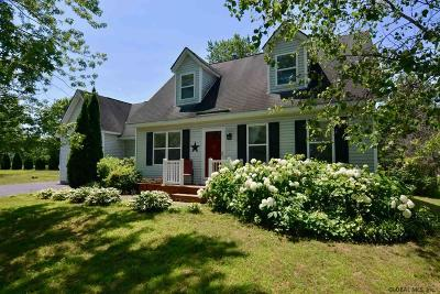 Wilton Single Family Home For Sale: 1 New Kent Dr