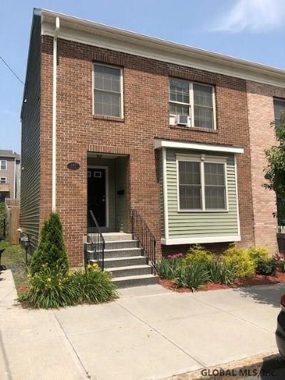 Albany Single Family Home For Sale: 197 Sheridan Av