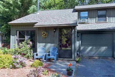 Saratoga County Single Family Home For Sale: 81 Arrow Wood Pl
