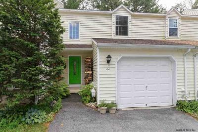 Saratoga County Single Family Home For Sale: 44 Deer Run Dr