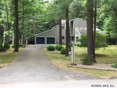 Clifton Park Single Family Home New: 25 Robinwood Dr