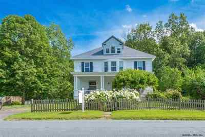 Rensselaer County Single Family Home New: 332 Miller Rd