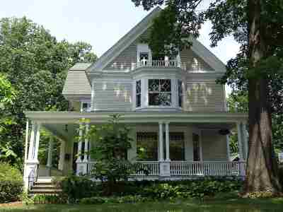 Schenectady Single Family Home For Sale: 1043 Douglas Rd