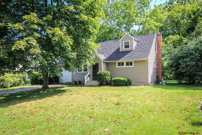 Niskayuna Single Family Home For Sale: 2288 Nelson Dr