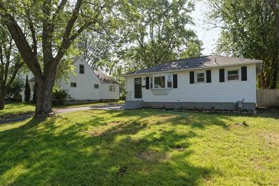 Colonie Single Family Home Active-Under Contract: 38 Tanglewood Rd