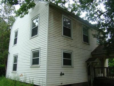 Glens Falls Single Family Home For Sale: 17 Keenan St