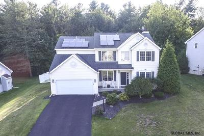 Halfmoon Single Family Home For Sale: 14 Delta Way