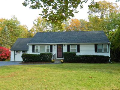 Niskayuna Single Family Home For Sale: 828 Whitney Dr