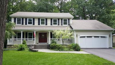 Halfmoon Single Family Home For Sale: 22 Cindy La