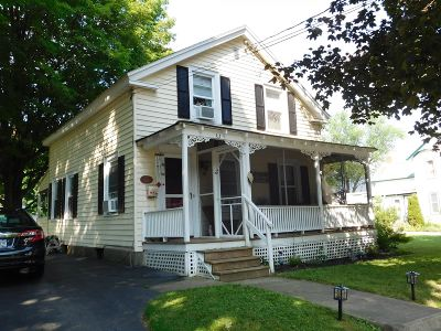 South Glens Falls Single Family Home For Sale: 30 Spring St