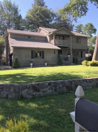 Guilderland Single Family Home For Sale: 105 Brandon Ter