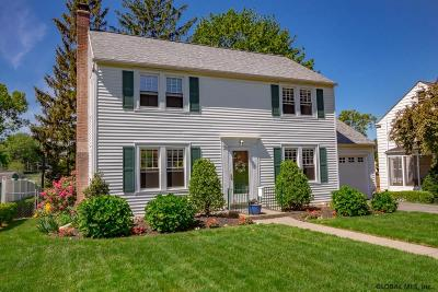 Albany Single Family Home For Sale: 10 Ridgefield St