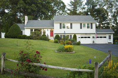Queensbury NY Single Family Home Pending: $232,000