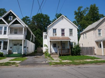 Schenectady Single Family Home For Sale: 432 Hegeman St