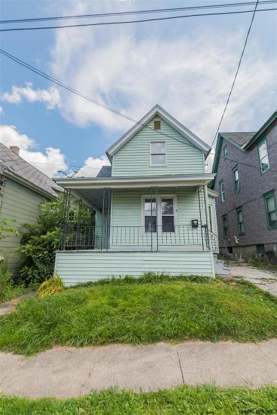 Gloversville Single Family Home For Sale: 43 Grove St