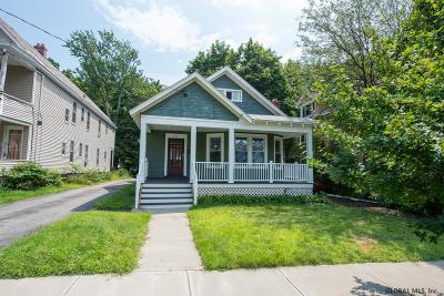 Schenectady Single Family Home For Sale: 818 Bedford Rd