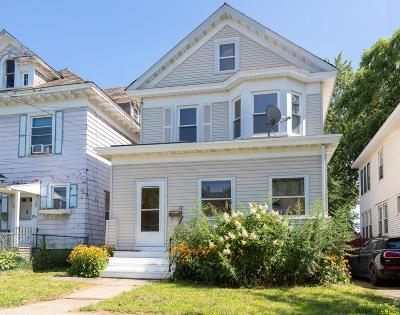 Albany Single Family Home For Sale: 22 Summit Av
