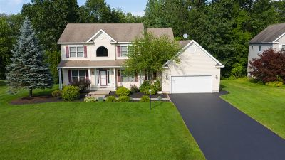 Clifton Park Single Family Home For Sale: 58 Deer Run Hollow