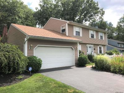 Guilderland Single Family Home For Sale: 3022 Williamsburg Dr