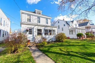 Albany Single Family Home For Sale: 127 Woodlawn Av