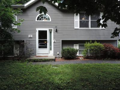 Glens Falls Single Family Home For Sale: 6 East Beacon St