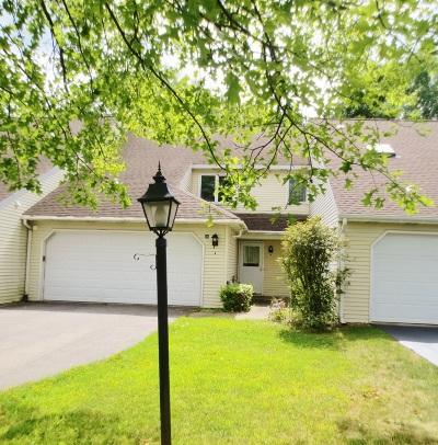 Niskayuna Single Family Home For Sale: 36 Carrie Ct